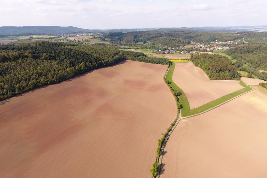 Landschaftsaufnahme mit Drohne photografiert.